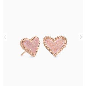 Kendra Scott Ari Heart Rose Gold in Pink Drusy